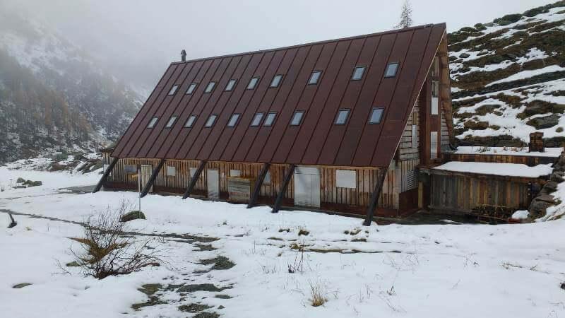 Cabane Du Combal in Val Veny
