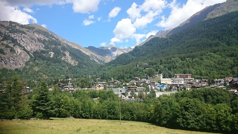 Views to Courmayeur on the trek to Rifugio Bertone