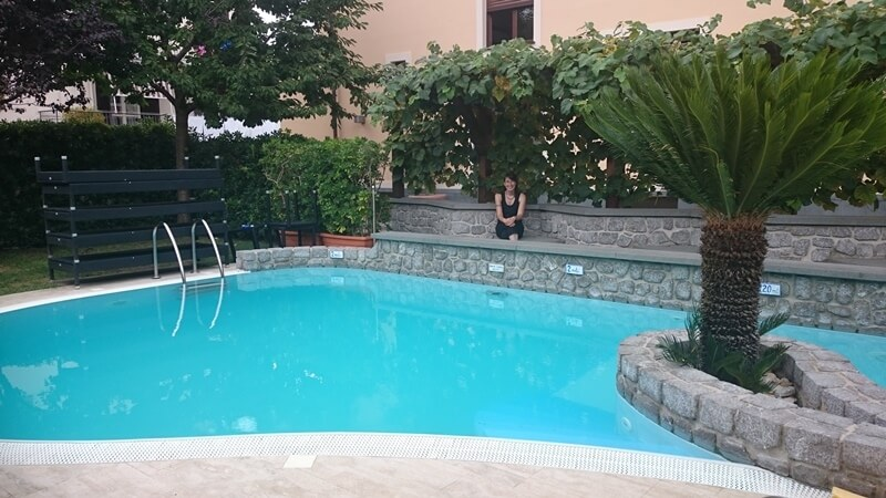 The swimming pool at the Hotel Due Torri, Bomerano